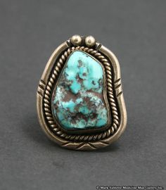 Navajo Turquoise and Silver Ring     circa 1960