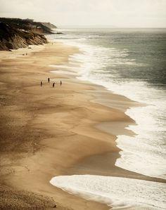 Praia de São Pedro de Moel in Leiria, Região de Lisboa | Portugal (Photo: Cláudia Matos)