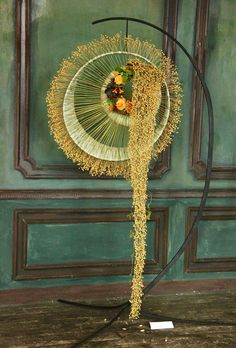 Art Floral, Floral Design, Modern Floral Arrangements, Flower Arrangements, Growing Roses, Blooming Flowers, Ikebana, Creative Design, Bouquet