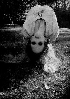 Muerta, fantasma