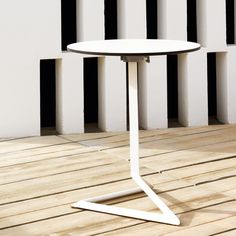 Delta Table, medium height, white with black rim
