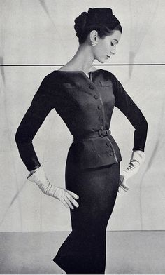Fashion ♥ 1950's - I love the look of gloves with an outfit....used to always wear white gloves at Easter with my Easter frock!  :)
