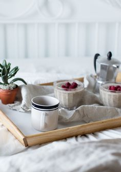 Recipes - Original recipes by categories and particularities - Trois fois par jour Pouding Chia, Healthy Breakfast Snacks, Breakfast Ideas, Healthy Eating, Brunch, Vegan Recipes, Cooking Recipes, Vegan Meal Prep, Chia Pudding