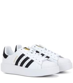 watch 5f11a ef850 The Top 15 Pieces To Buy Online This Week   The Closet Heroes Zapatillas  Deportivas,