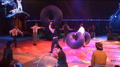 Navidades en el Price 2013 ofrece una historia moderna en contraposición con el circo clásico. Recupera artistas, recupera números que cuentan con un gran esfuerzo y trabajo detrás. Son horas y horas de ensayo y entrenamiento para ofrecer un espectáculo único. Algo más que puro espectáculo circense. #Madrid #circo