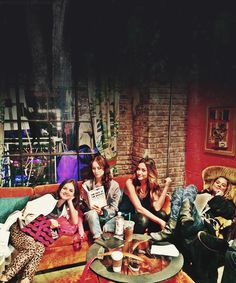 Lucy Hale, Troian Bellisario, Shay Mitchell and Ashley Benson on the set of Pretty Little Liars!!!!<3<3<3<3