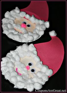 Papa Noel: Chile Christmas:Paper Plate Santa - So simple and so cute! Christmas Arts And Crafts, Santa Crafts, Preschool Christmas, Christmas Activities, Christmas Projects, Kids Christmas, Holiday Crafts, Christmas Jokes, Father Christmas
