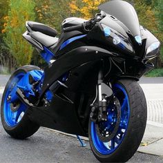 New motorcycle sport bikes classic cars Ideas Ducati, Yamaha R6, Yamaha Motorcycles, Mercedes Benz G, Bmw Autos, Cool Motorcycles, Sportbikes, Hot Bikes, Motorcycle Gear