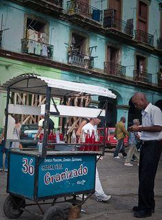 Street vendor . Cuba