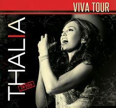 Después de 9 años de ausencia en los escenarios, en abril de 2013 la otrora cantante juvenil Thalía realizó la gira Viva Tour después del éxito de su Primera Fila y como apoyo a su reciente disco de estudio. Aunque la gira fue diseñada para presentarse en pequeños recintos de ciudades estadounidenses, confiada en la respuesta del público mexicano, Thalía decide realizar la clausura en el Auditorio Nacional y grabar un DVD y BR con la presentación.  http://youtu.be/IgaIU42uMz4