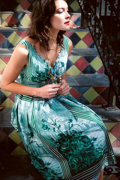 gorgeous Lazybones dress. I think that's Shalom Harlow. I've always loved her since she first started modeling. Also diggin' those painted tiles on the stairs.