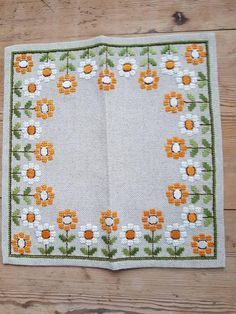Lovely floral retro / 12 x 12 stitch embroidered tablecloth in sturdy offwhite linen from Sweden Cute Cross Stitch, Cross Stitch Borders, Cross Stitch Rose, Cross Stitch Flowers, Cross Stitch Designs, Cross Stitching, Cross Stitch Patterns, Hardanger Embroidery, Cross Stitch Embroidery