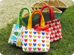 http://www.tadaam.fr/2014/04/sac-de-petite-fille.html *Tadaam !: DIY / Tuto : Sac de petite fille - Sewing bag for little girl