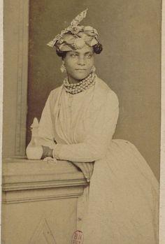 Fort-de-France, mulatto and quadroon; 1881-1887 Fort-de-France, mulâtresses et quarteronnes; ... — Vintage Black Beauties