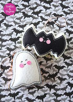 PDF Pattern Ghost & Batty Felt Pattern Kawaii by sosaecaetano Kawaii Halloween, Halloween Crafts, Felt Halloween Ornaments, Ornament Pattern, Felt Ornaments Patterns, Felt Patterns, Felt Diy, Felt Crafts, Adornos Halloween