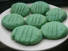 Jelly Crystal Biscuits (Cookies) from Food.com:   I found this suggested on a New Zealand recipe forum when I was searching for recipes to use up some jelly crystals. My girls had a lot of fun making their *blue* biscuits and now have plans to make *green* ones!!! Great for a rainy school holiday day.