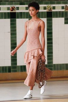 Lemaire Spring 2017 Ready-to-Wear Fashion Show - Samile Bermannelli More