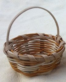 Handmade Miniature Basket http://medicinemancrafts.com/collections/basketry/products/miniature-baskets