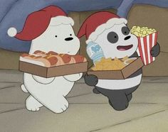 Awww look At pan pan and ice bear snacking without frizz