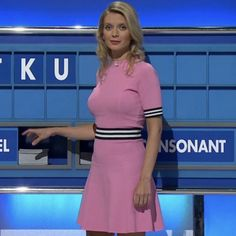 Rachel Riley Countdown, Rachel Riley Legs, Racheal Riley, Tv Girls, Foxes, Most Beautiful Women, Maths, Two Piece Skirt Set, Kitty