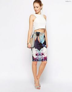 Pencil skirt by ASOS Collection Grid textured jersey Smooth feel Stretch, high waist Floral print throughout Slim fit - cut closely to the body Machine wash Polyester, Elatsane Our model wears a UK 4 and is tall Printed Pencil Skirt, Dress Skirt, Fashion Online, High Waisted Skirt, Floral Prints, Style Inspiration, Outfits, Clothes For Women, My Style