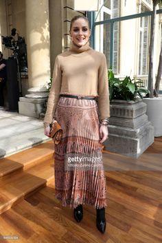 Olivia Palermo attends the Valentino show as part of the Paris Fashion Week Womenswear Fall/Winter on March 5 2017 in Paris France Estilo Olivia Palermo, Olivia Palermo Lookbook, Olivia Palermo Style, Star Fashion, Paris Fashion, Girl Fashion, Fashion Show, Autumn Fashion, Moda Paris