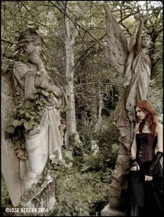 "Victoria Frances - ""Londres Highgate"" (2004) - The Elven Wood"