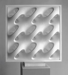 Erwin Hauer- Sculptor, sculpted modular wall and lamp artist. (fifties and sixties) 3d Pattern, Pattern Design, Sculpture Art, Sculptures, 3d Prints, Textures Patterns, Wall Design, Parametric Design, Decoration