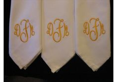 12 Monogrammed dinner napkins includes shipping in the US - TheWeddingMile.com Dinner Party Table, Dinner Napkins, Cocktail Napkins, Napkins Set, Wedding Tablecloths, Wedding Linens, Wedding Napkins, Wedding Invitations, Monogrammed Napkins