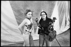 Documentary Photographer Mary Ellen Mark poses for a picture with a Mexican circus performer in Oaxaca, Mexico in ©jamescarbone History Of Photography, Documentary Photography, Street Photography, James Nachtwey, Inge Morath, Willy Ronis, Mary Ellen Mark, Elliott Erwitt, Steve Mccurry
