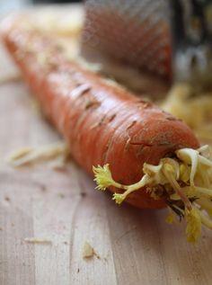 nahistunut porkkana Carrots, Vegetables, Food, Essen, Carrot, Vegetable Recipes, Meals, Yemek, Veggies
