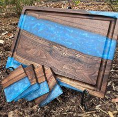 Diy Resin Wood Table, Resin And Wood Diy, Epoxy Resin Table, Diy Epoxy, Wood Resin, Diy Resin Projects, Diy Wooden Projects, Woodworking Projects Diy, Diy Resin Art