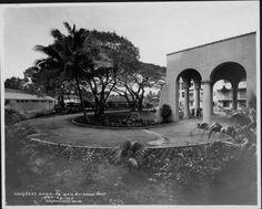 Hotels - Royal Hawaiian - 1927 Pink Palace, Mount Rushmore, Hawaiian, Maine, Hotels, Mountains, Nature, Travel, Naturaleza