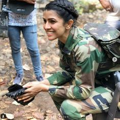 Indian Army girls force Armed force police Bravo Indian Flag Wallpaper, Indian Army Wallpapers, Girl Wallpaper, Army Girls, Military Women, Central Industrial Security Force, Air Force Uniforms, Indian Army Quotes, Indian Air Force