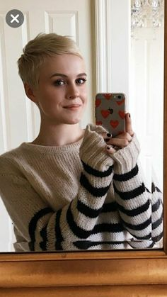 50 + Short Edgy Pixie Cuts and Hairstyles - chic better Edgy Pixie Cuts, Pixie Crop, Short Pixie Haircuts, Short Hair Cuts, Short Cropped Hair, Pixie Styles, Short Hair Styles, Outfits Hipster, Crop Hair
