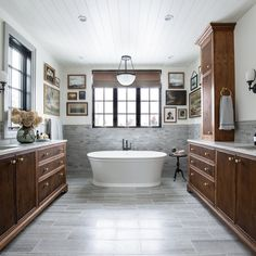 """JULIA MARCUM · homebody 🏡 on Instagram: """"Our bathroom is 13' wide, but it used to feel about 5'! Swipe for the cramped before. Same angle! Same angle!! We took out the closet at…"""" Bathroom Wall, Master Bathroom, Bathroom Ideas, Pool Bathroom, Basement Bathroom, Home Design, Modern Cottage Bathrooms, Console Sink, Pocket Door Hardware"""