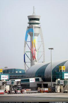 http://www.aeropuertos.net/aeropuerto-internacional-de-dubai/ Dubai International Airport