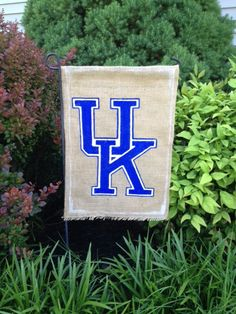 Kentucky Burlap Garden Flag by WORLEYdesigns on Etsy, $18.00  (Think I could make this.)