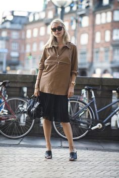 Pin for Later: 58 Flawless Ways to Style the End of Summer Summer Street Style Summer leather that defies the age-old fashion rule: never wear black and brown together. We love it.