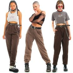O Tumblr é o lugar para se expressar, se descobrir e se deleitar com as coisas que você curte. É aqui que seus interesses conectam você a seus iguais. Looks Style, Looks Cool, Style Me, Indie Outfits, Cool Outfits, Fashion Outfits, 2000s Fashion, Look Fashion, Poses References