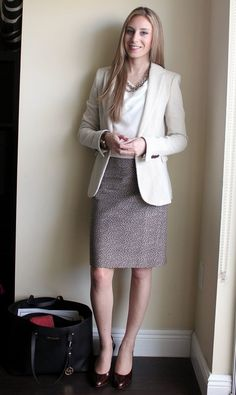 This outfit is more neutral colors. It is a professional and simple outfit. This outfit is more neutral colors. It is a professional and simple outfit. The skirt and the jacket go well together and looks professional. Summer Work Wear, Summer Work Outfits, Lawyer Fashion, Business Fashion, Moda Fashion, Womens Fashion, Meeting Outfit, Dressy Tops, Lawyer Outfit