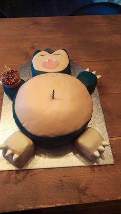 Snorlax pokemon cake with cupcake