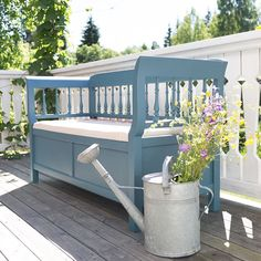 Fusion Mineral Paint in Seaside beautifully updates a bench! #FusionMineralPaint #FusionFamily #FurniturePaint