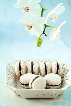 Waniliowe makaroniki z kremem z nutelli( Vanilla Macaroon with nutella filling)