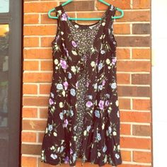 Floral dress Very comfy!! Zips up in the back. 100% rayon. Fashion Bug Dresses Midi