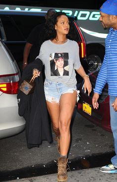 October 19: Rihanna out in NYC
