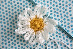 Caught On A Whim: Let's Crochet: Daisies