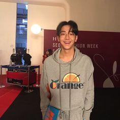 """ถูกใจ 11.2k คน, ความคิดเห็น 61 รายการ - 남윤수 (@nam_yoonsu) บน Instagram: """"미미누나랑 ✔️18SS #SFW #남윤수 #NAMYOONSOO @nam_yoonsu AT #DANTIDOTE @d_antidote BACKSTAGE"""" Asian Babies, Asian Boys, Korean Men, Korean Actors, Beautiful Boys, Beautiful People, European Men, Weightlifting Fairy Kim Bok Joo, Couple Goals Relationships"""