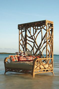 Manzanita bench from Anthropologie. Does the beach come with it?