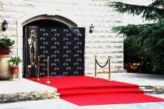 Red carpet hollywood glam theme oscar star celebrity velvet ropes birthday wedding glamorous old hollywood grace kelly breakfast at tiffany's gone with the wind classics oldies